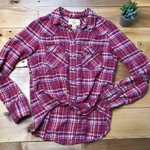 Levi's flannel button up long sleeve. Medium